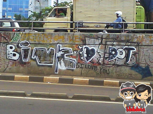Graffiti-Bink-Love-Dotz