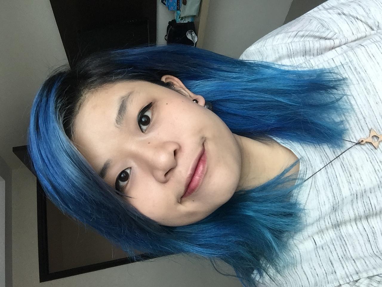 Cat Rambut Warna Biru